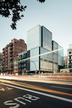The Catalan Institute of Economists - Barcelona, Spain - 2013 by Roldán+Berengué Arquitectos Arch Building, Office Building Architecture, Building Facade, Commercial Architecture, Architecture Office, Architecture Details, Building Design, Chinese Architecture, Futuristic Architecture
