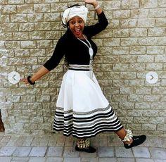 @zodwangumbela African Attire, African Wear, African Dress, African Fashion, African Traditional Wedding Dress, Xhosa, We Wear, How To Wear, Cheer Skirts
