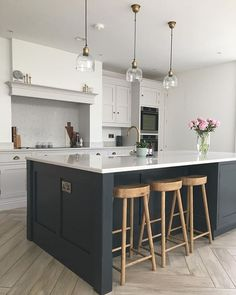 Kitchen Design and kitchen concepts for all of your dream kitchen needs. Contemporary kitchen inspiration at its finest. Open Plan Kitchen Dining Living, Open Plan Kitchen Diner, Kitchen Redo, Living Room Kitchen, Kitchen Layout, Home Decor Kitchen, Kitchen Interior, New Kitchen, Home Kitchens