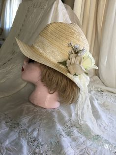 34dccdf1d9fd2 1920s Flapper Cloche Hat White Lace White Roses Pale Natural Straw Wedding  Brand New Orig Design One Size Fits Most