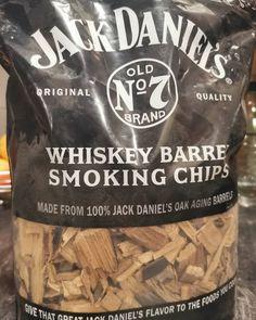 """Gefällt 14 Mal, 0 Kommentare - BBQ: Fauli grillt (@fauli_grillt) auf Instagram: """"Auf diese #smokingchips bin ich mal gespannt. Habt ihr Erfahrungen damit? 🤔 . . . . #smoker…"""" Smoking Chips, Jack Daniels Whiskey, Barrel, Bbq, Canning, The Originals, Instagram, Food, Crickets"""