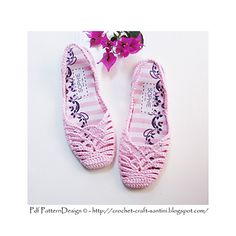 Crochet SlingBack Slipper Pattern. Full stitch-diagram in instruction, and step-by-step Photo-Tutorial for the entire project. As all my crochet slippers, also this pair is turned into shoes! Apply in- and out-soles, + treatment for street-wear!