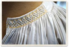 Western antiques such as France and England, vintage . Blackwork Embroidery, Embroidery Motifs, Embroidery Designs, Punto Smok, Smocking Plates, Smocks, Costume Patterns, Beautiful Blouses, Diy Dress