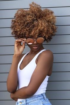 Blonde Natural Hair, Pelo Natural, Natural Hair Highlights, My Hairstyle, Afro Hairstyles, Curly Hair Styles, Natural Hair Styles, Natural Hair With Color, Pelo Afro