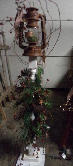 primitive decor to make Primitive Christmas, Country Christmas, Outdoor Christmas, Christmas Projects, Holiday Crafts, Christmas Ideas, Christmas Lanterns, Christmas Decorations, Spindle Crafts