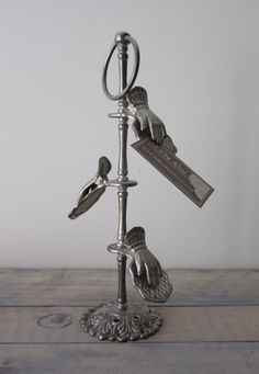 Victorian hand clip: I have this!