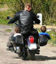 Motorrad Lebensstil - On Two Wheels - Motorbikes, Motorcycles - Motorcycle Humor, Motorcycle Baby, Ural Motorcycle, Motorcycle Rides, Side Car, Motos Harley Davidson, Moto Cafe, Biker Style, Biker Girl