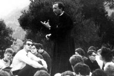Anniversario Di Matrimonio Giussani.14 Best Comunion Y Liberacion Images In 2020 Communion Catholic