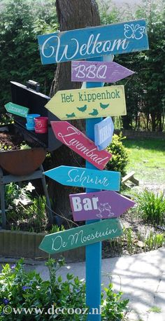 Signpost in Ibiza style - Innen Garten - Eng Ideas Terraza, Ibiza Party, Ibiza Fashion, Beach Signs, Yard Design, Front Yard Landscaping, Landscaping Ideas, Garden Styles, Garden Inspiration