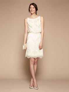This looks like it could be the most comfy wedding dress ever. And I think it's adorbs.