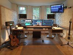 Studio Room Design, Home Studio Setup, Music Studio Room, Dream Studio, Studio Ideas, Home Recording Studio Setup, Home Music Rooms, Studio Living, Studio Furniture