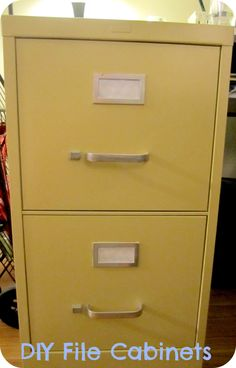 70 How to Spray Paint Metal File Cabinet Chalkboard Ideas for Kitchen Check m Painting Metal Cabinets, Painted File Cabinets, Staining Cabinets, Diy Cabinets, Filing Cabinets, Chalk Spray Paint, Rustoleum Spray Paint, Metallic Spray Paint, Chalk Paint Furniture