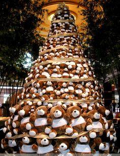 teddy bear christmas tree at conrad centennial singapore unusual christmas trees creative christmas trees