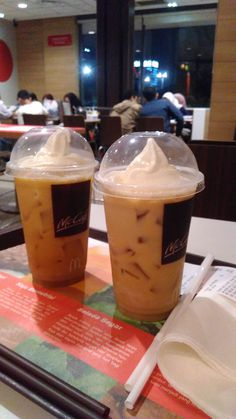 Coffe float by mcd on first date with ma x-boyfriend Food N, Junk Food, Food And Drink, Vape Pictures, Food Pictures, All U Can Eat, Tumblr Food, Food Snapchat, Midnight Snacks