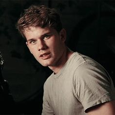 jeremy irvine Jeremy Irvine, Pretty Men, Gorgeous Men, Now Is Good, Lauren Kate, Fallen Series, Gifs, I Want To Cry, Lily James