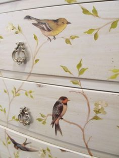 Decoupage,Over 25 Free Vintage Bird Printable Images Decoupage Furniture, Hand Painted Furniture, Paint Furniture, Repurposed Furniture, Furniture Projects, Furniture Makeover, Cool Furniture, Decoupage Dresser, Bedroom Furniture