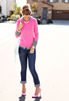 Pink sweater, skinny jean. Cute outfit!
