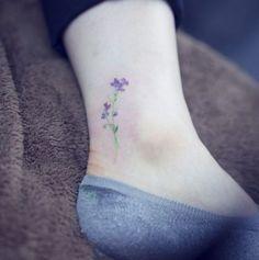 Sternzeichen waren gestern! Jetzt sind Geburtsblumen-Tattoos angesagt!