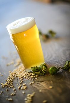This English Pale Ale (ESB) beer recipe is a collaboration beer from AHA members and The Brew Gentlemen Brewing Co. Brewing Recipes, Homebrew Recipes, Beer Recipes, Ale Recipe, Pale Ale Beers, Wheat Beer, Home Brewing Beer, Grain Foods, Craft Beer