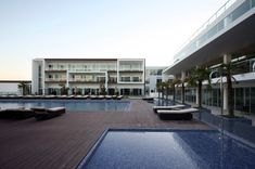 Image 24 of 31 from gallery of Yellow Hotel / PLAN Associated Architects. Five Star Hotel, 5 Star Hotels, Hotel Sites, Villa, Contemporary Building, Architecture Student, Suites, Algarve, Interior Design Inspiration