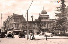 Plaza Manuel Acuña, en Saltillo, Coahuila (c. 1940).