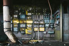 https://flic.kr/p/j7oVwb | Electric leftovers | Kockums old shipyard in Malmö. Fujifilm X-pro1 with a 14mm Fujinon lens.