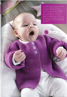 A very easy design for a cardigan – perfect for new knitters and new babies alike Baby Knitting Patterns, Baby Patterns, Point Mousse, Baby Smiles, Crochet Magazine, Handmade Baby, Baby Dress, Lana, Cute Babies