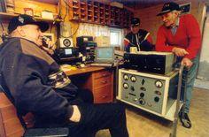 Gruppestasjon i Våler Back In Time, Ham Radio, Paper, Waltz Dance