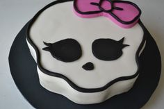 Monster High Cake!  Learn how to make one for yourself here http://youtu.be/iIeMWiv2LpY