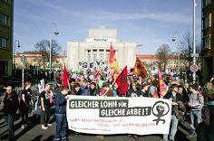 Sonntag, 08.03., 14:00 Uhr –Mitte, Rosa-Luxemburg-Platz: Stimmt. © Matze Hielscher