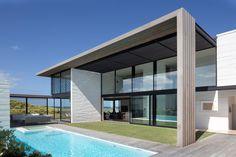 Tuatua House/ Julian Guthrie Esta moderna casa de playa minimalista y sin muchas pretensiones fue diseñada por el arquitecto Julian Guthrie, se encuentra e