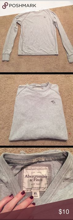 Abercrombie & Fitch Grey Long Sleeve Men's Abercrombie & Fitch grey long sleeve tee. In excellent condition! Abercrombie & Fitch Shirts Tees - Long Sleeve