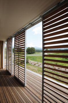 "Képtalálat a következőre: ""loggia sliding panels"" House Blinds, Blinds For Windows, Window Blinds, Outdoor Fire, Outdoor Living, Exterior Blinds, Interior Cladding, Rideaux Design, Sliding Panels"