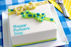 Father's Day Cake:Make a Bow TieCake for Dad