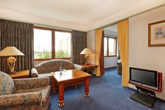 Blick in eines der Hotelzimmer / View into one of the hotel rooms | H4 Hotel Hannover Messe