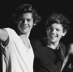 harry and louis Larry Stylinson, Harry Edward Styles, Harry Styles, Otp, L Quotes, Larry Shippers, Harry 1d, One Direction Harry, Louis And Harry