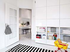 black and white room, lovely shelving detail.