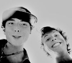 Wesley Stromberg and Keaton Stromberg #emblem3 My favorite picture of Wes and Keaton!!! (: <3