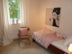 Aufgabe: Aufwertung einer Ferienwohnung mittels Home Staging, hier: ein weiteres Schlafzimmer