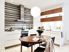 Simpele keuken met behang als achterwand | Inrichting-huis.com