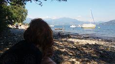 www.bringhand.de/blog    Entlang des Lago Maggiore gibt es immer wieder kleine Buchten, die zum relaxen auch für die Unterwegs sind einladen. :-)    #Italien #Lagomaggiore #Schweiz #Cannobio #Reisen #Wanderlust #See #lake #Boot #Segelboot #Segeln #Fahren #Bucht #travel #Deutschland #Österreich #Schweizer #Italiener #Deutsche #Bringhand #reiseblogger #paradise #relaxen #schwimmen #Sommer #Sonne #Strand