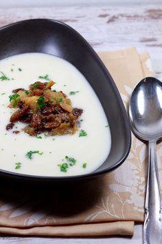 Blumenkohlsuppe mit Gorgonzola und Birnen                                                                                                                                                                                 Mehr