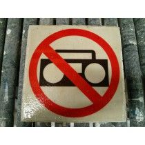 Verboden muziek af te spelen stoeptegel Logos, Art, Art Background, Kunst, Logo, Art Education, Legos