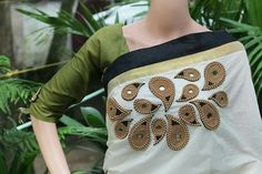 Different types of designer saree and blouse - ArtsyCraftsyDad Saree Embroidery Design, Aari Embroidery, Floral Embroidery Patterns, Embroidery Works, Hand Embroidery Designs, Set Saree, Saree Dress, Kerala Saree Blouse Designs, Mirror Work Saree