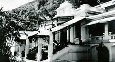 the old Repulse Bay Hotel, a favourite from days gone by...