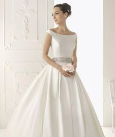 FREE Wedding Dress Sewing Patterns – My Handmade Space - therezepte sites Making A Wedding Dress, Diy Wedding Dress, Classic Wedding Dress, Used Wedding Dresses, Perfect Wedding Dress, Bridal Dresses, Wedding Gowns, Wedding Dress Sewing Patterns, Gown Pattern
