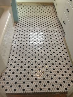 black and white mosaic bathroom floor tiles Bathroom Tile Designs, Bathroom Floor Tiles, Tile Floor, Bathroom Ideas, Shower Bathroom, 1920s Bathroom, Bathroom Signage, Attic Shower, Bathroom Caddy