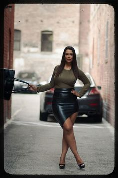 Plus size model is rocking the street