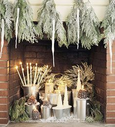 teardrops instead of traditional garland, work perfect on this mantle, the addition of the icicle ornaments really make an impact...