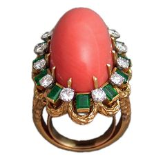 VAN CLEEF & ARPELS Coral Emerald and Diamond Ring